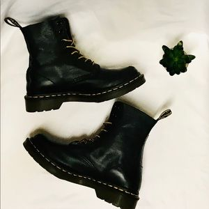 Dr. Martens 1460 Pascal Boots are Women's Size 6